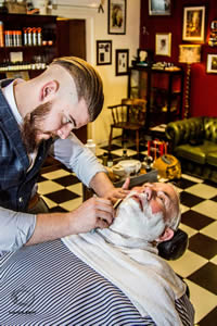 mens haircut lincoln